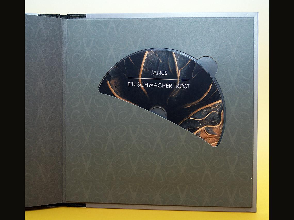 CD-Halterung im Buch
